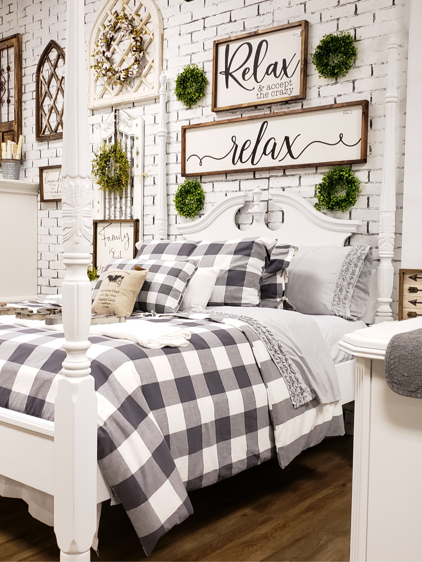 Home Store Booth Styling and Biz Tips