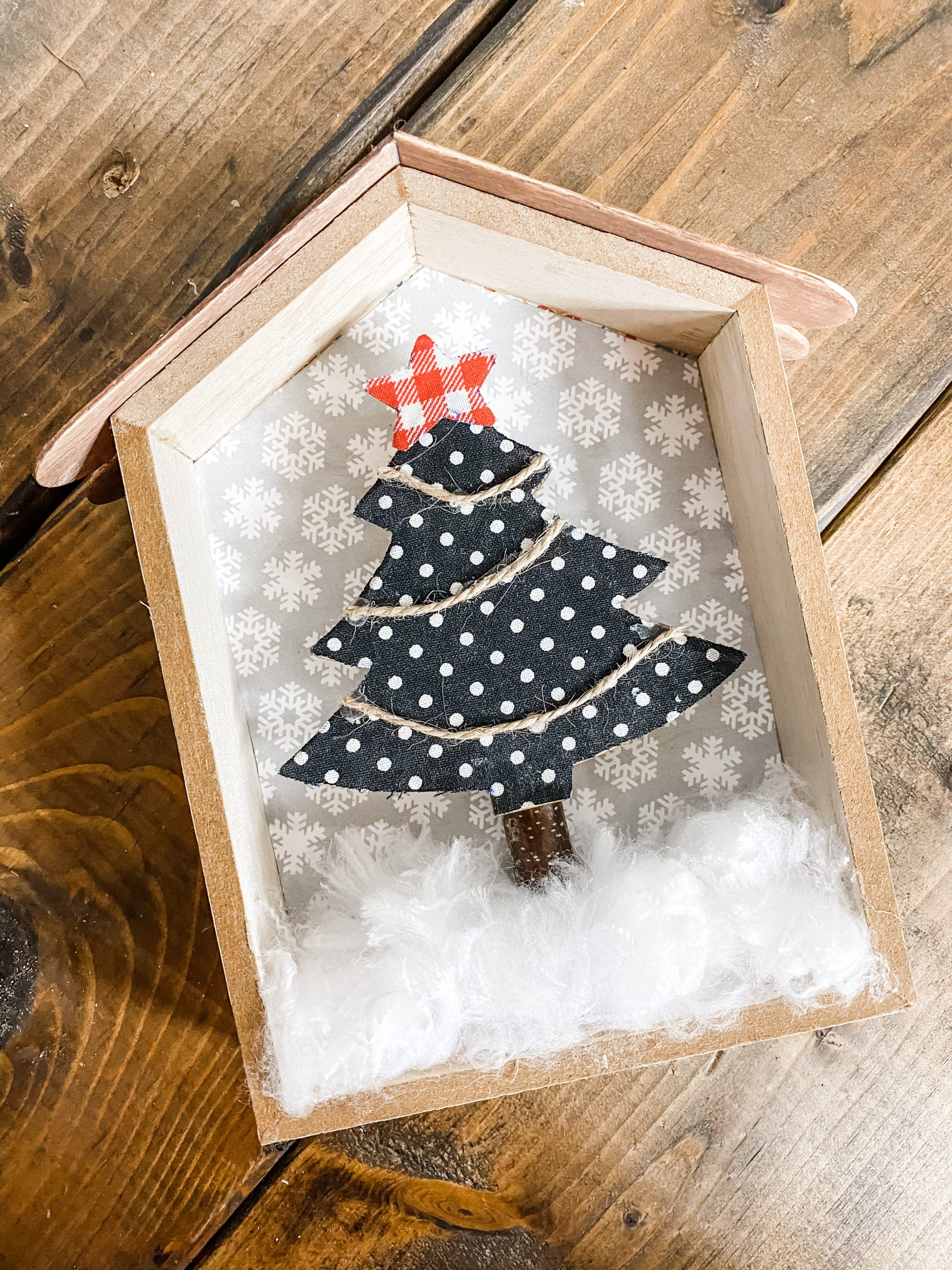 How To Make A Diy Christmas Tree Shelf Decor Easy Diy