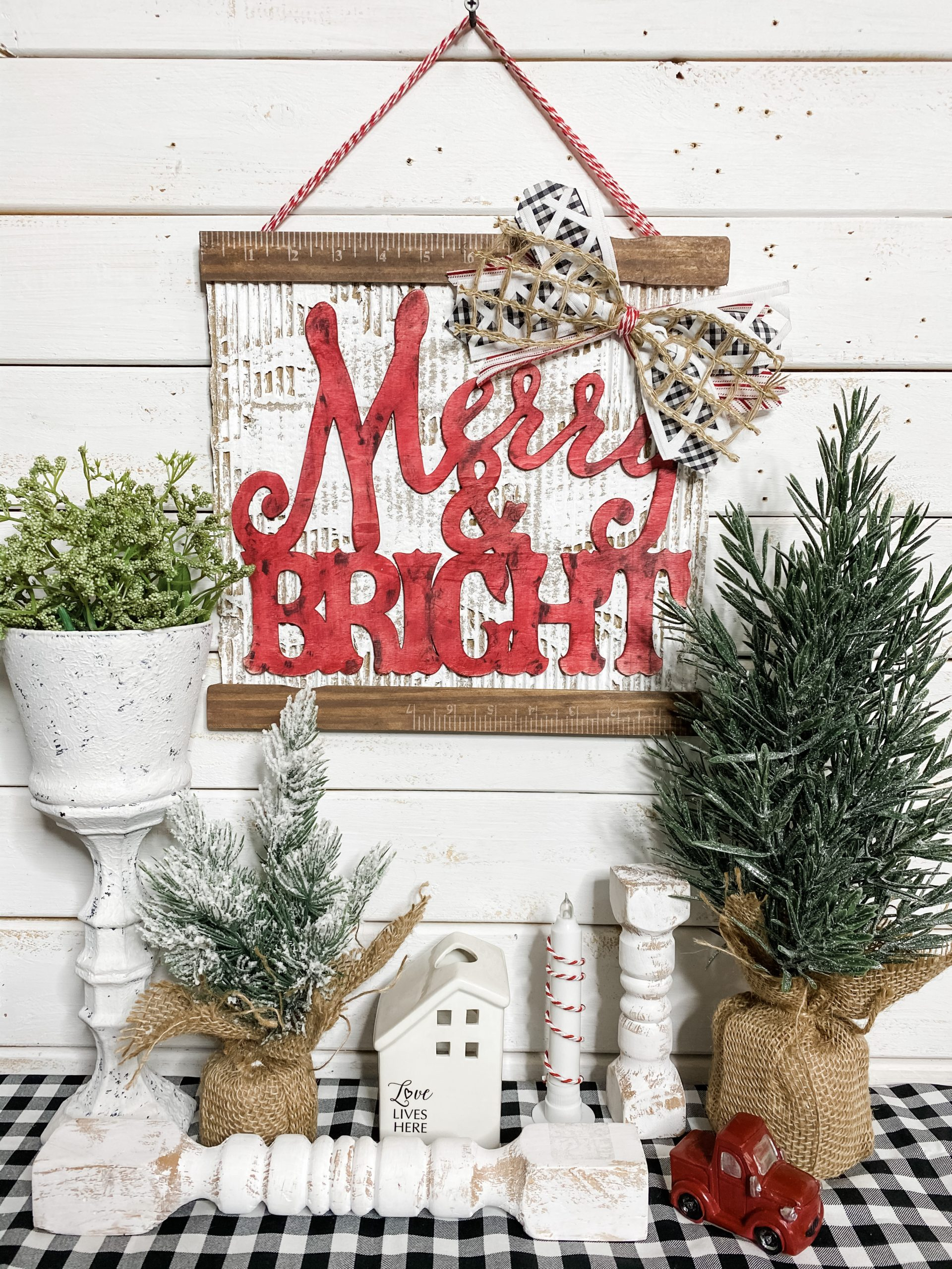 12 Dollar Tree DIY Christmas Decor Inspirations
