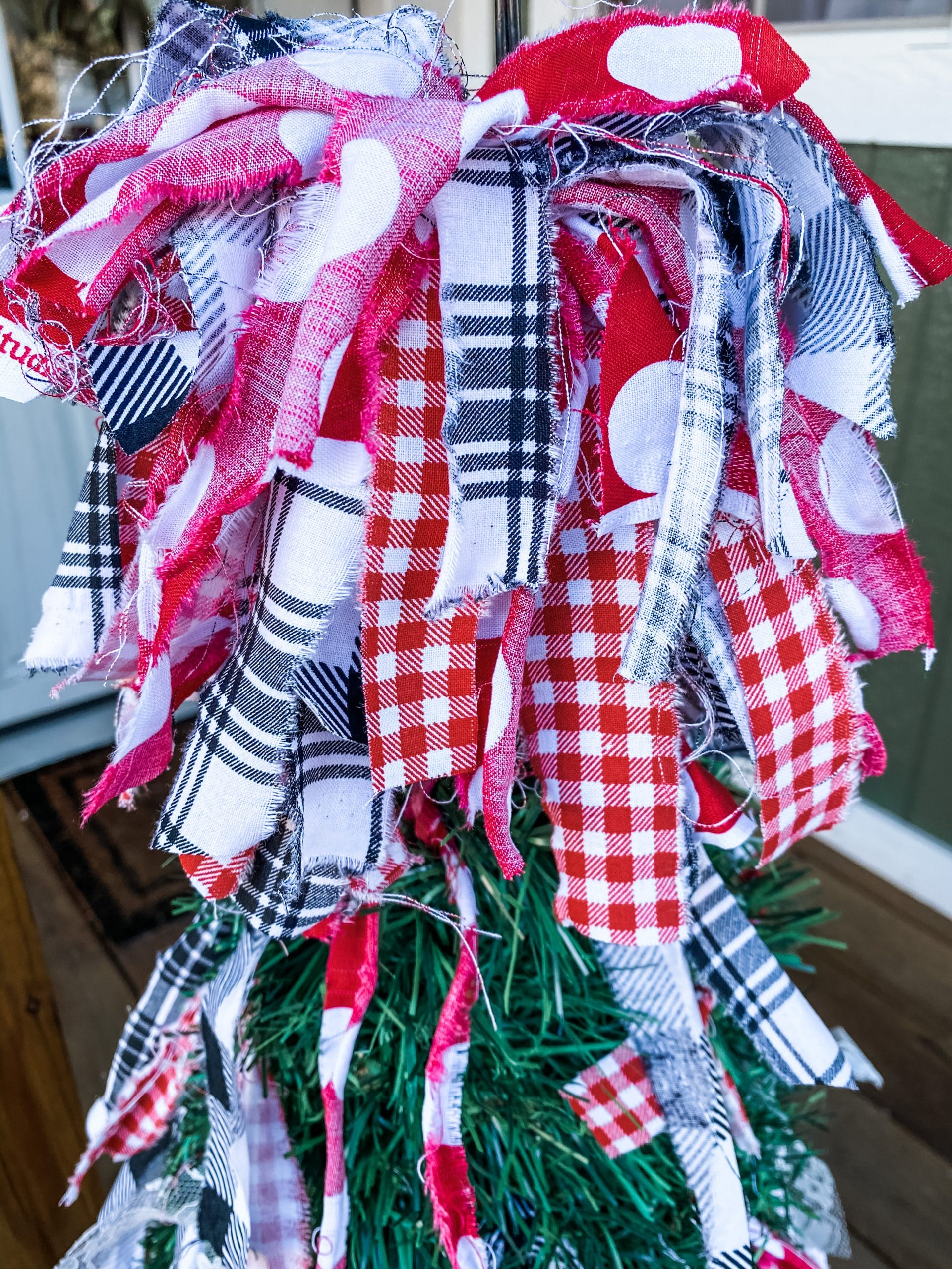 How to make a christmas messy bow