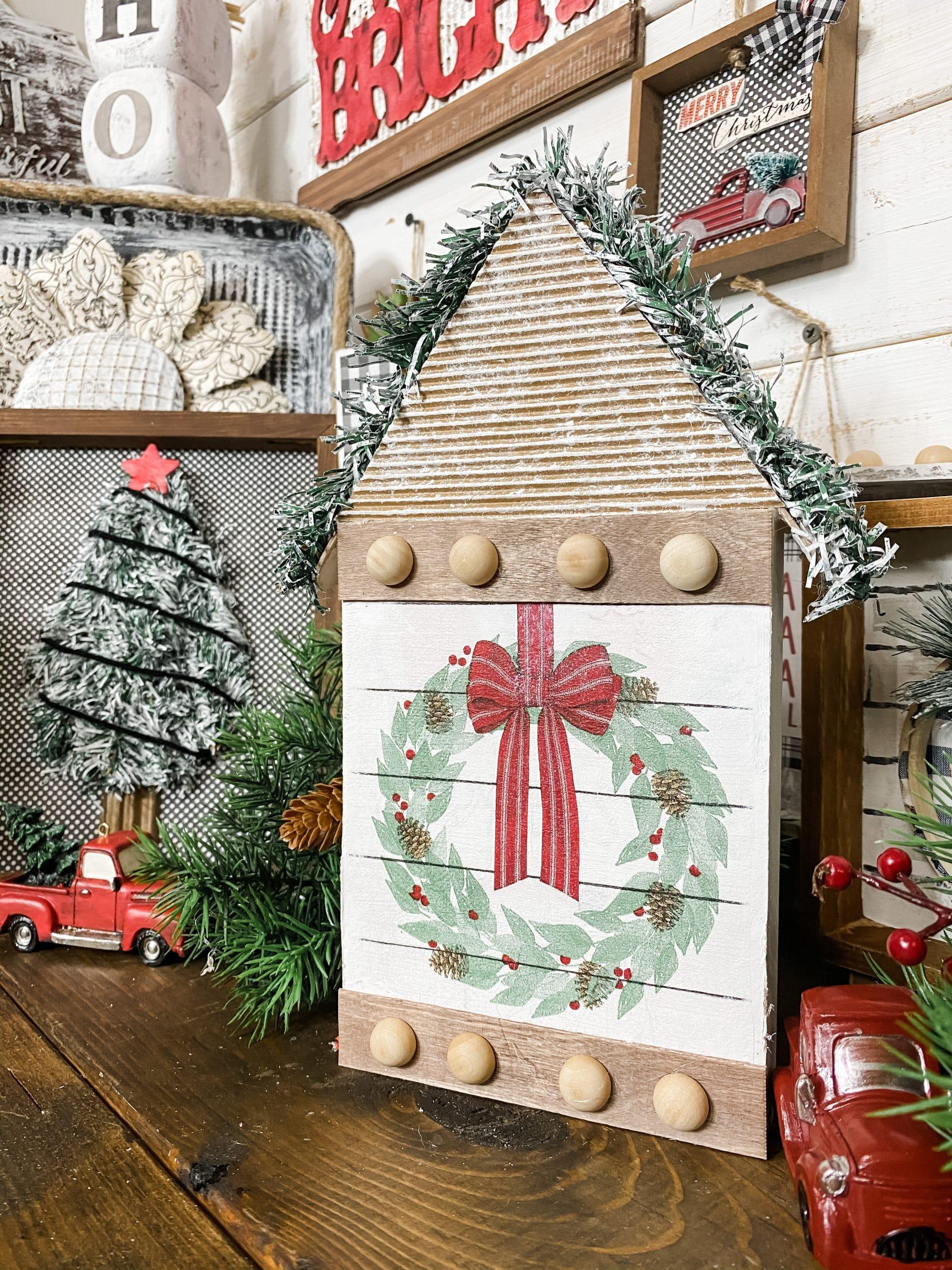 How to Decoupage Wood Christmas DIY Decor Ideas
