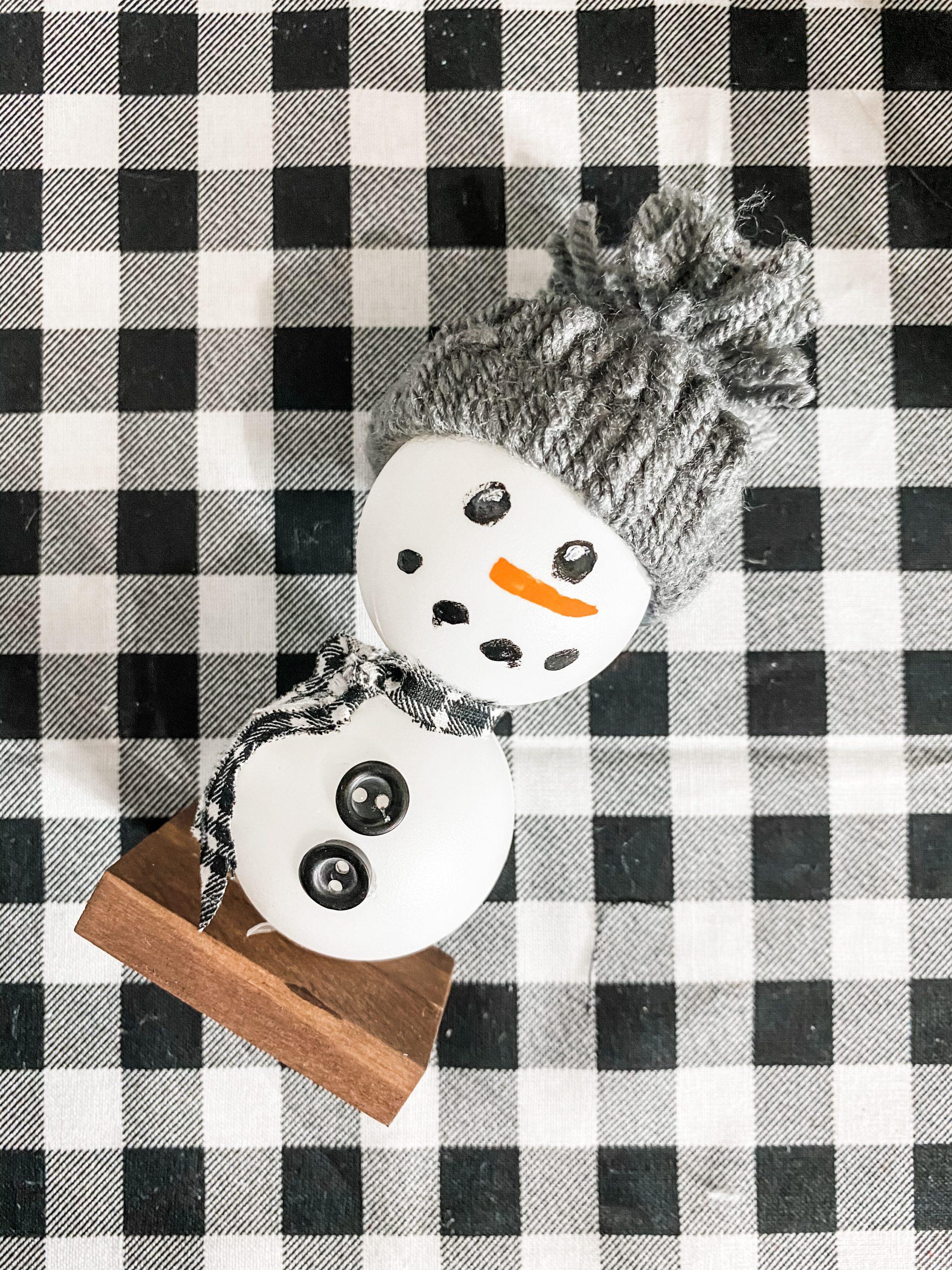 Dollar Tree Ping Pong Balls DIY Snowman