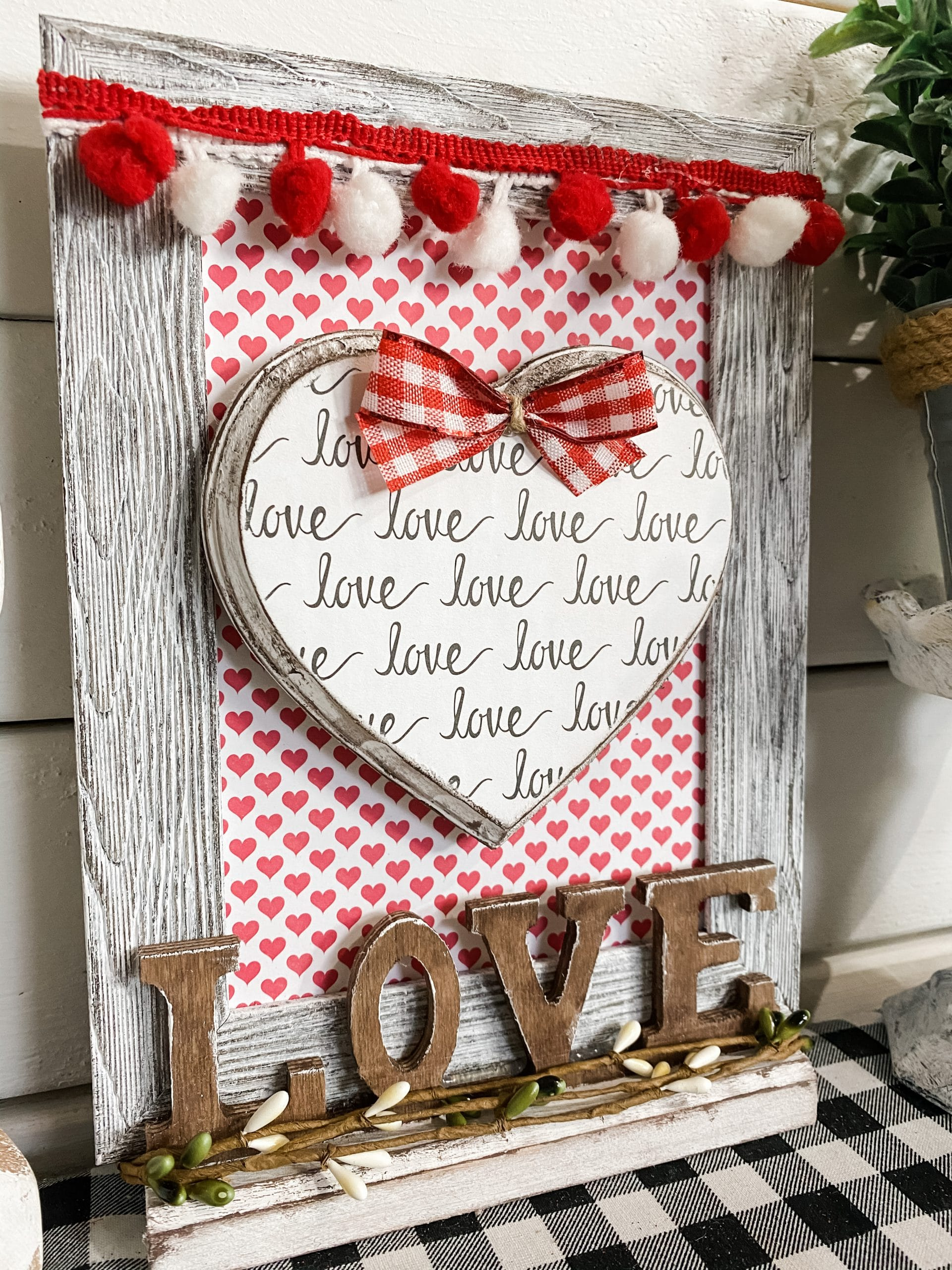 Valentine's Day DIY Love Sign